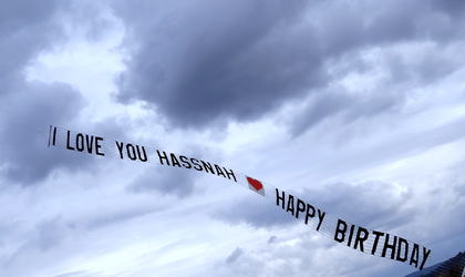 HAPPY BIRTHDAY AERIAL BANNER AIR NICE